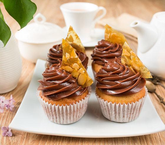Ванильные капкейки с шоколадно-ореховым кремом - Пошаговый рецепт с фото / Выпечка / Вкусный блог - рецепты под настроение