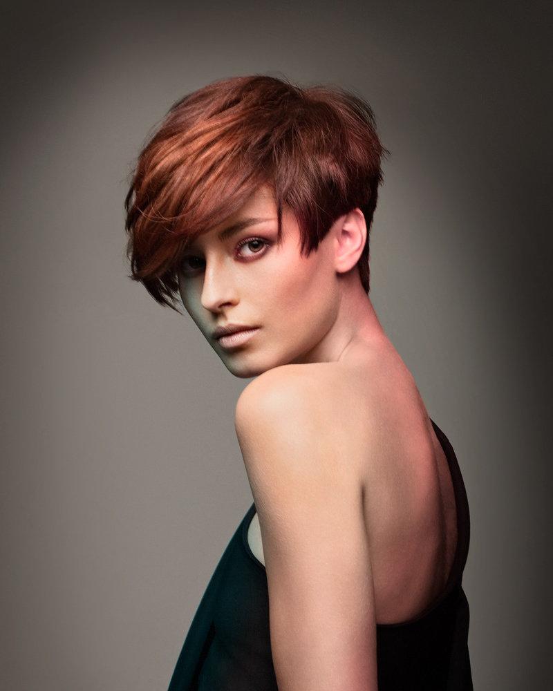 Элюминирование волос, короткие волосы