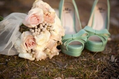 как выбрать яркие туфли