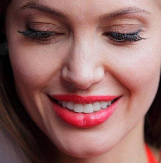 Макияж звезды: Анджелина Джоли / фото 2016