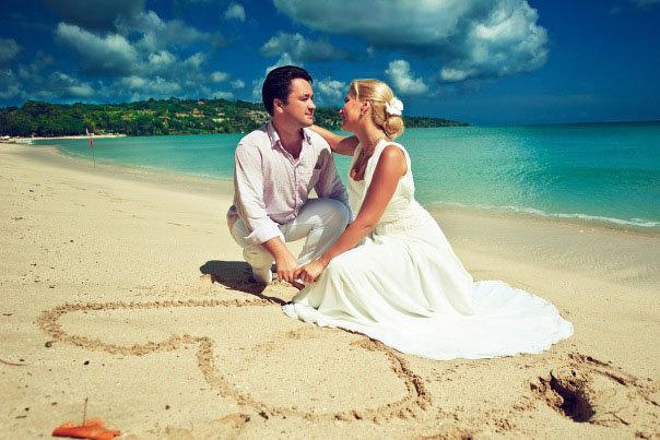 Провести романтично медовый месяц - желанная традиция всех народов