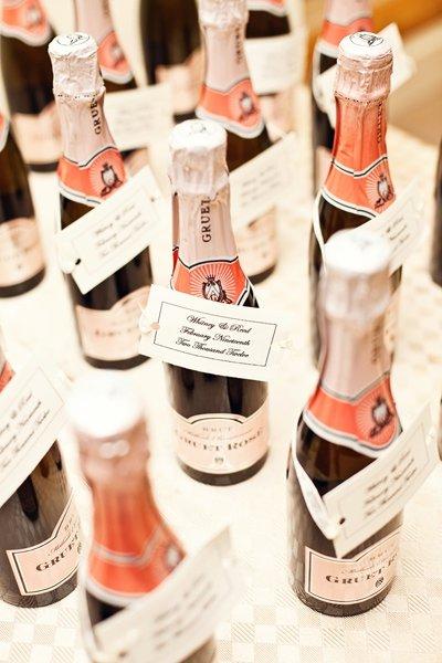Рассадочные карточки: шампанское