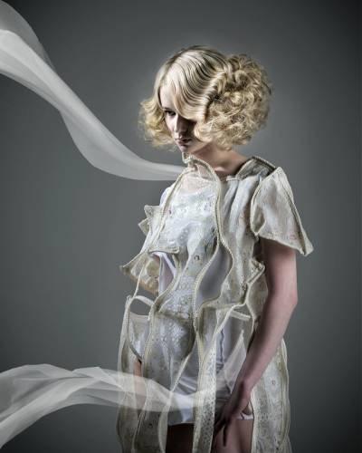 Стильные укладки на средние волосы