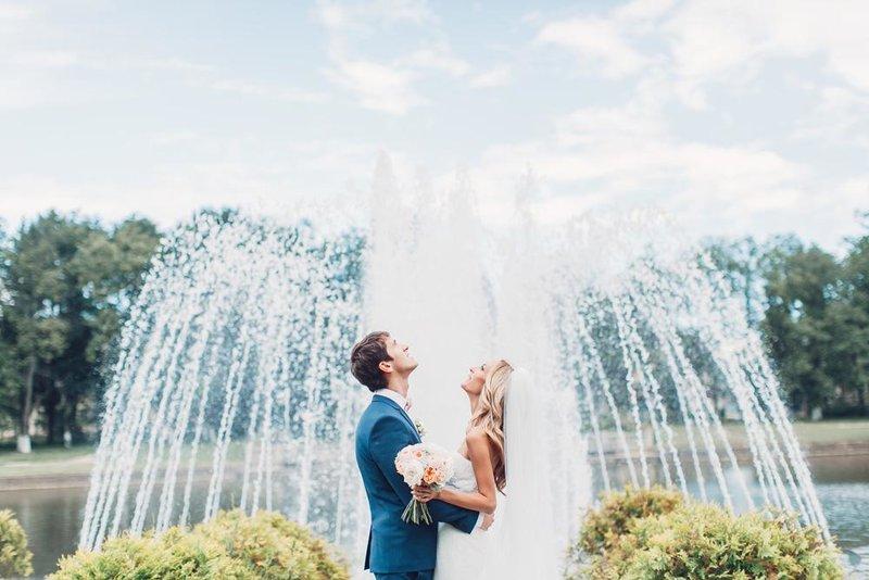 Свадебная фотосъемка, свадебные фото (фотография) и видео. Съемка свадеб в Москве. Услуги креативного фотографа на свадьбу. Заказать фотографа и видеооператора на свадьбу