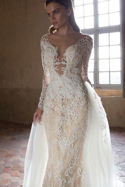 Кружевное дорогое платье