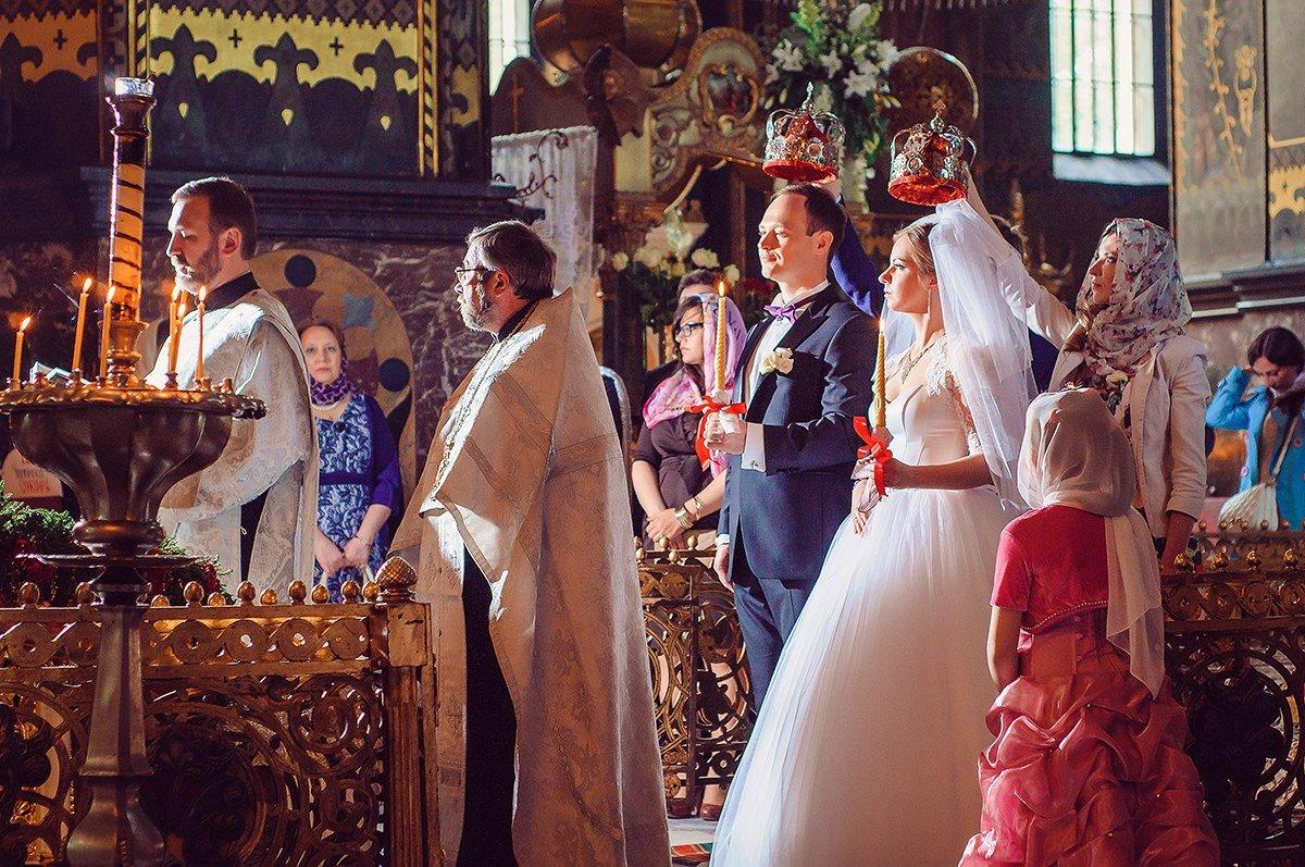 Открытки свадьба в церкви, изображением веселого