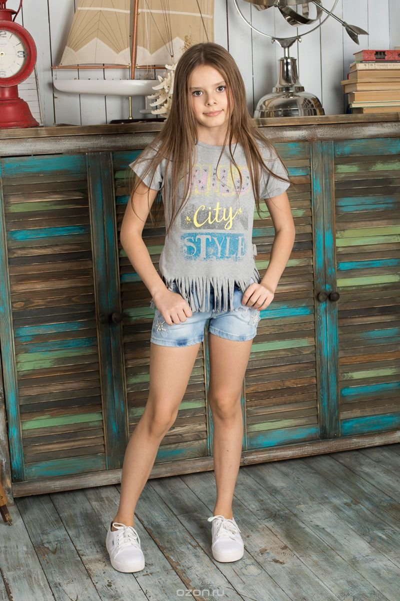 Картинки девочки в шортиках