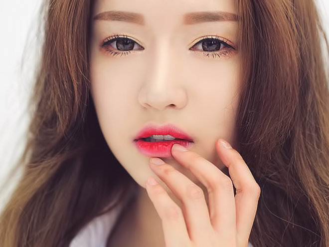 Корейский бьюти-тренд: узнай как сделать эффект омбре на губах