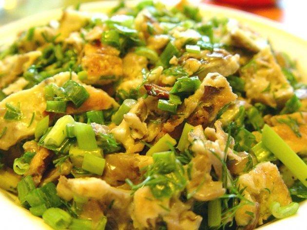 Салат с грибами шампиньонами кукурузой
