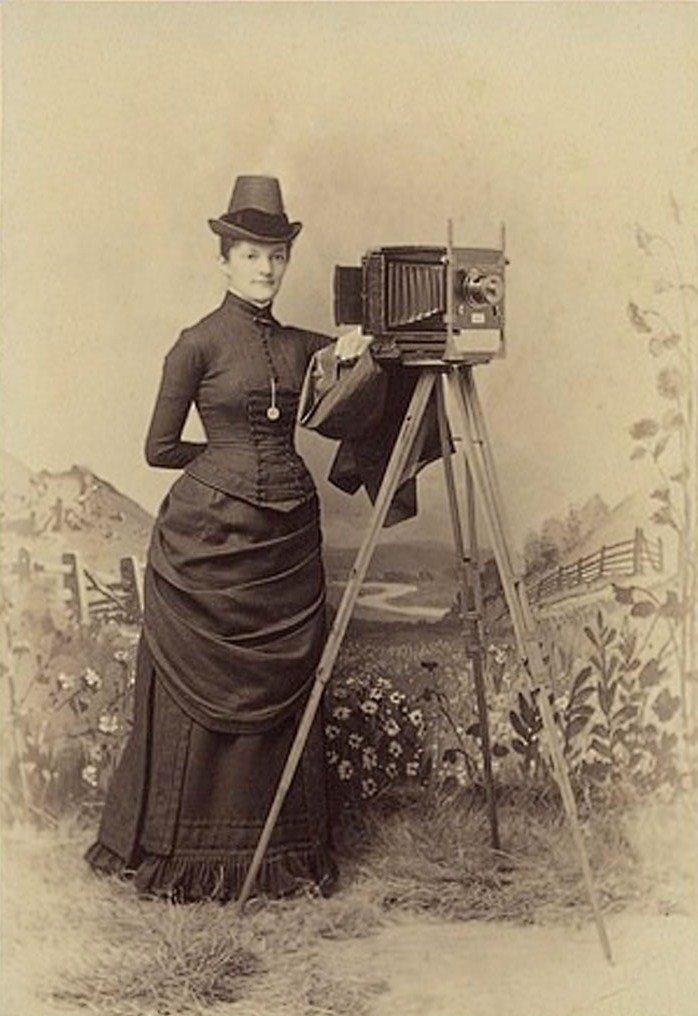 Как выглядело фотоателье в начале прошлого века