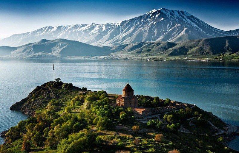 Озеро Севан, Армения.