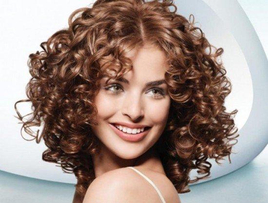 Химическая завивка волос на крупные локоны: полезная информация о биозавивке, тонкости процесса создания завитушек из волос и правила ухода за кудрями.