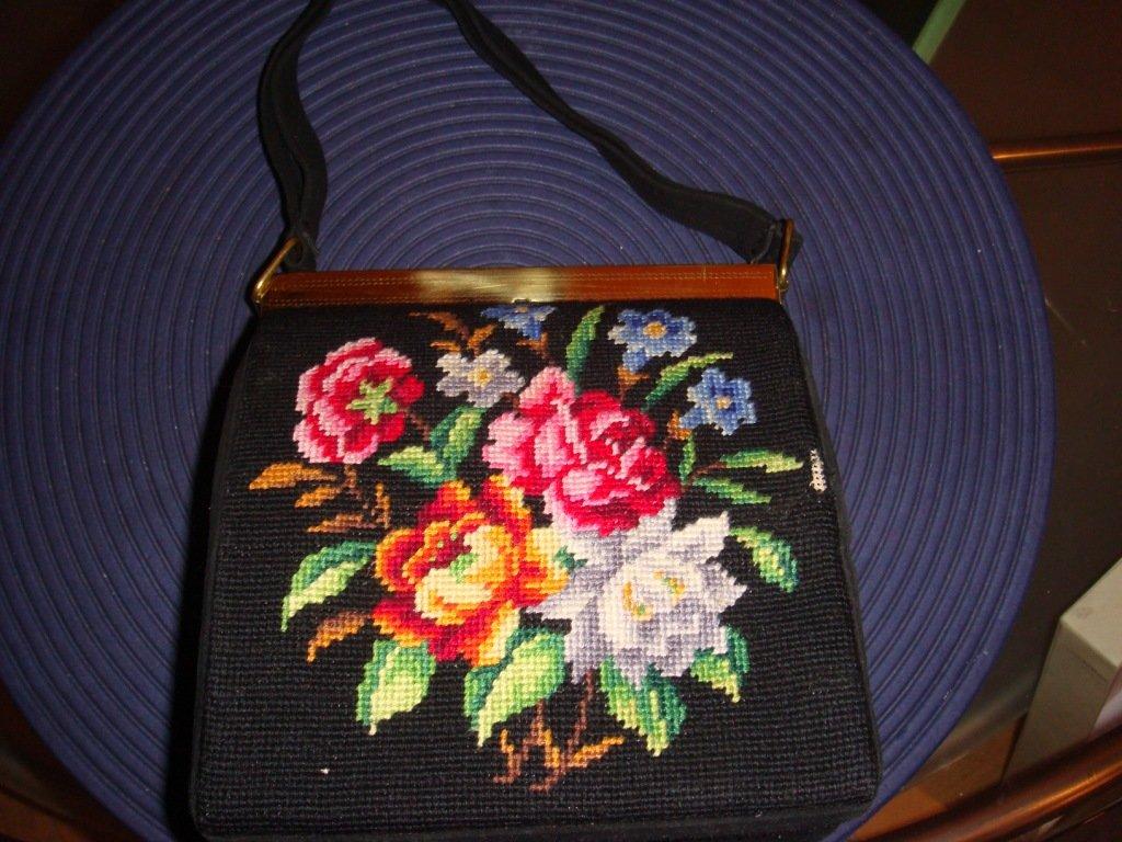 попки бритые сумки с вышивкой крестом фигурки певиц