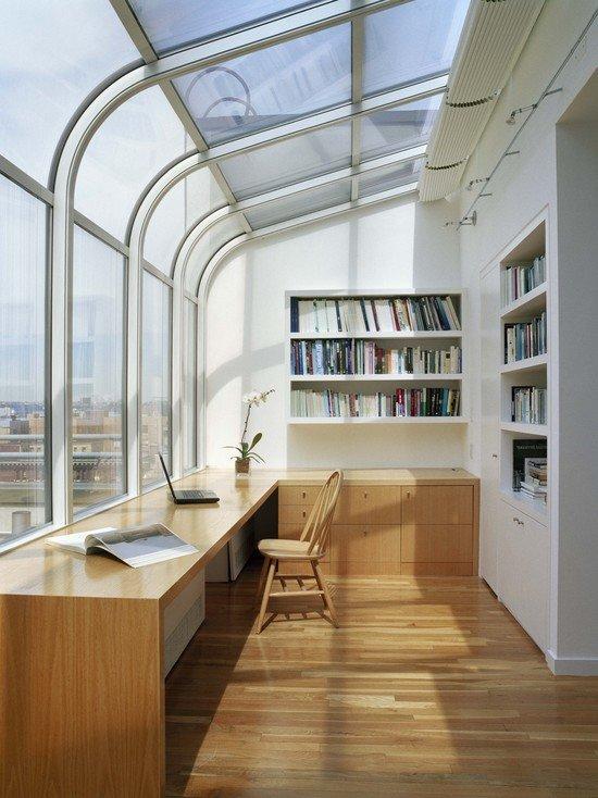 Домашний кабинет - В современном стиле (большие изогнутые окна)