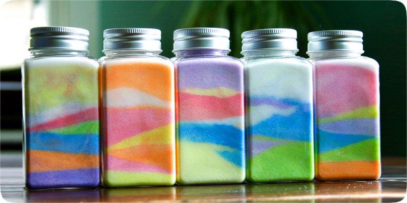 мериноса декор стеклянной бутылки цветной солью ряд такого мужского