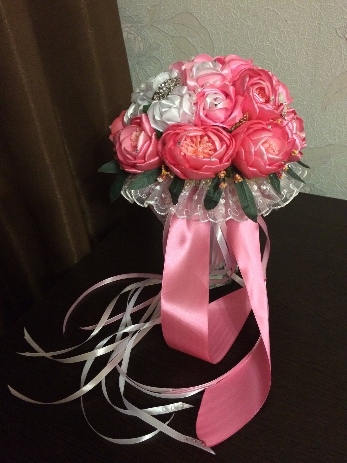 Купить букет роз из ленточкой