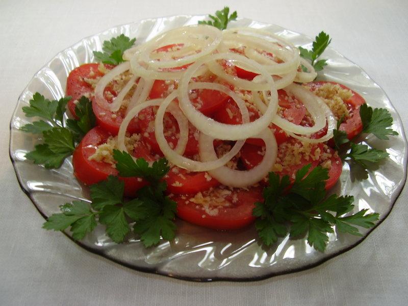 Салат с помидорами с фото