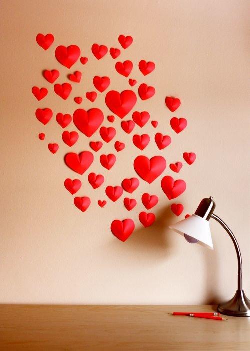 Ко дню святого Валентина - объёмные сердечки из бумаги.