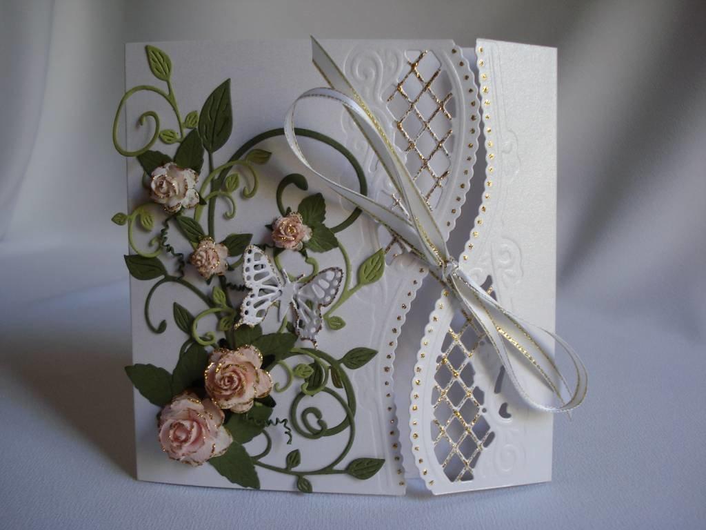 Необычная свадебная открытка, мая стиле квиллинг