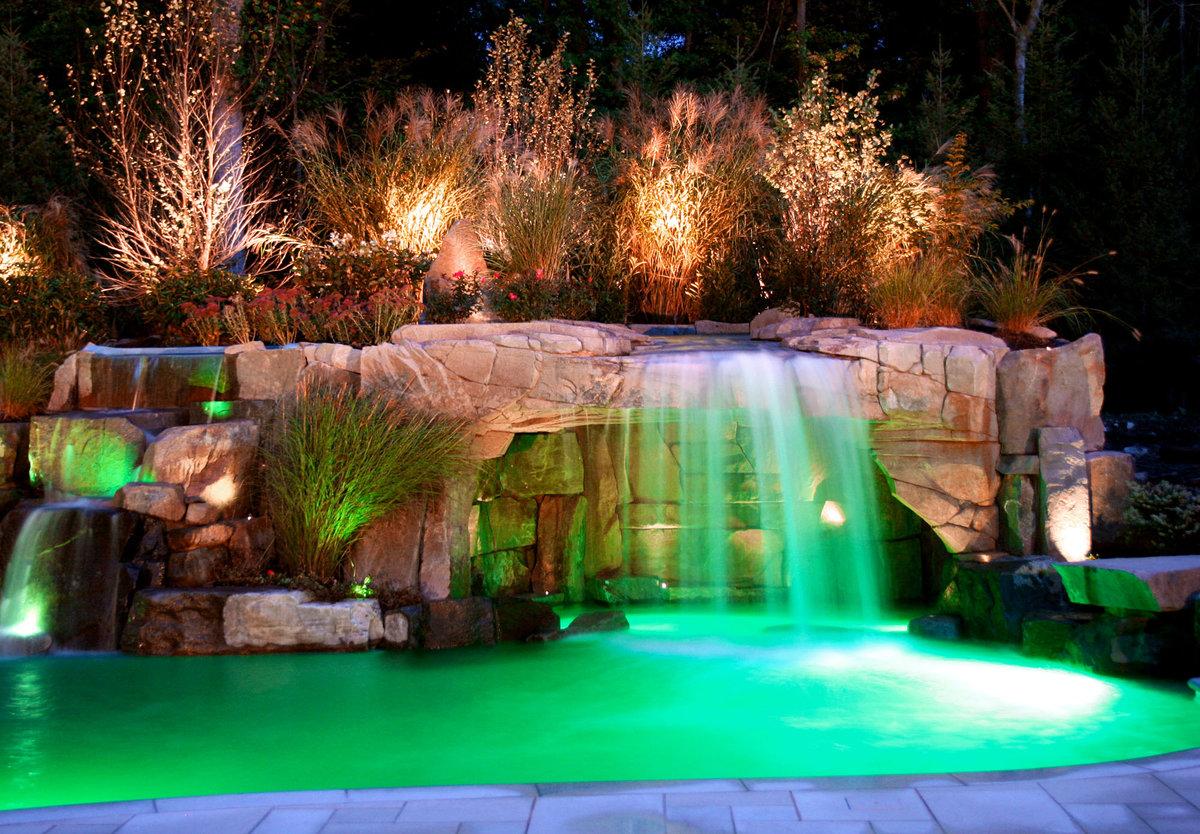его помощью красивый водопад в саду фото ожог растение может