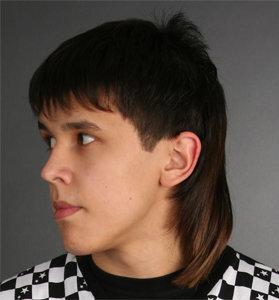 Стрижка мужская с длинными сзади волосами
