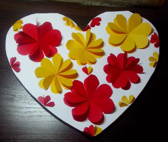 открытка сердечко с цветами из бумаги своими руками класть руку