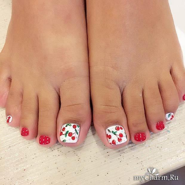 Сочные фрукты и ягоды на ногтях выглядят очень аппетитно и жизнерадостно