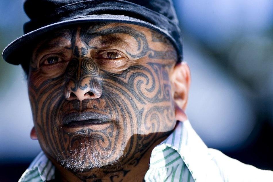 фото татуировок на лице вид