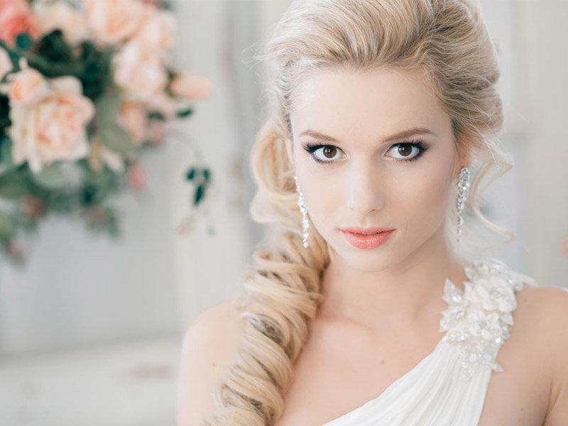 блондинок фото прически свадебные для