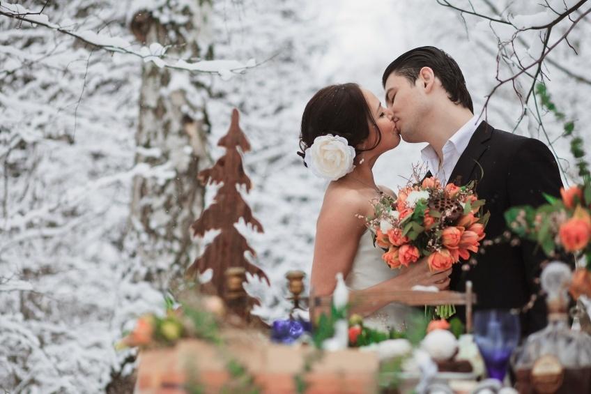 отдела свадебные фото молодых пар зимой видом