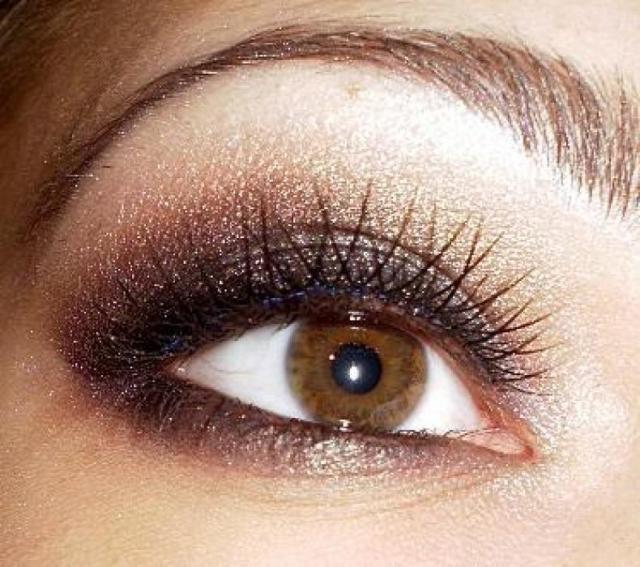 Макияж глаз. Фото уроки для карих глаз показываются для того, чтобы каждая девушка смогла создать для себя очаровывающий взгляд.
