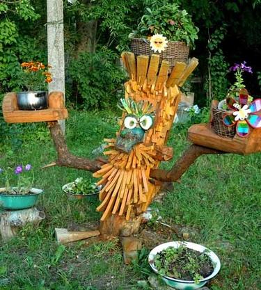 поделки из дерева своими руками для дачи и сада
