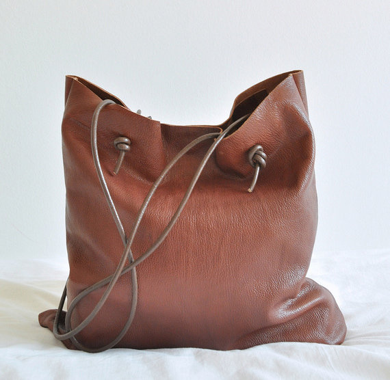 501af1e0e387 ... Как сшить кожаную сумку из цельного куска кожи или из кусочков (вы  можете использовать даже