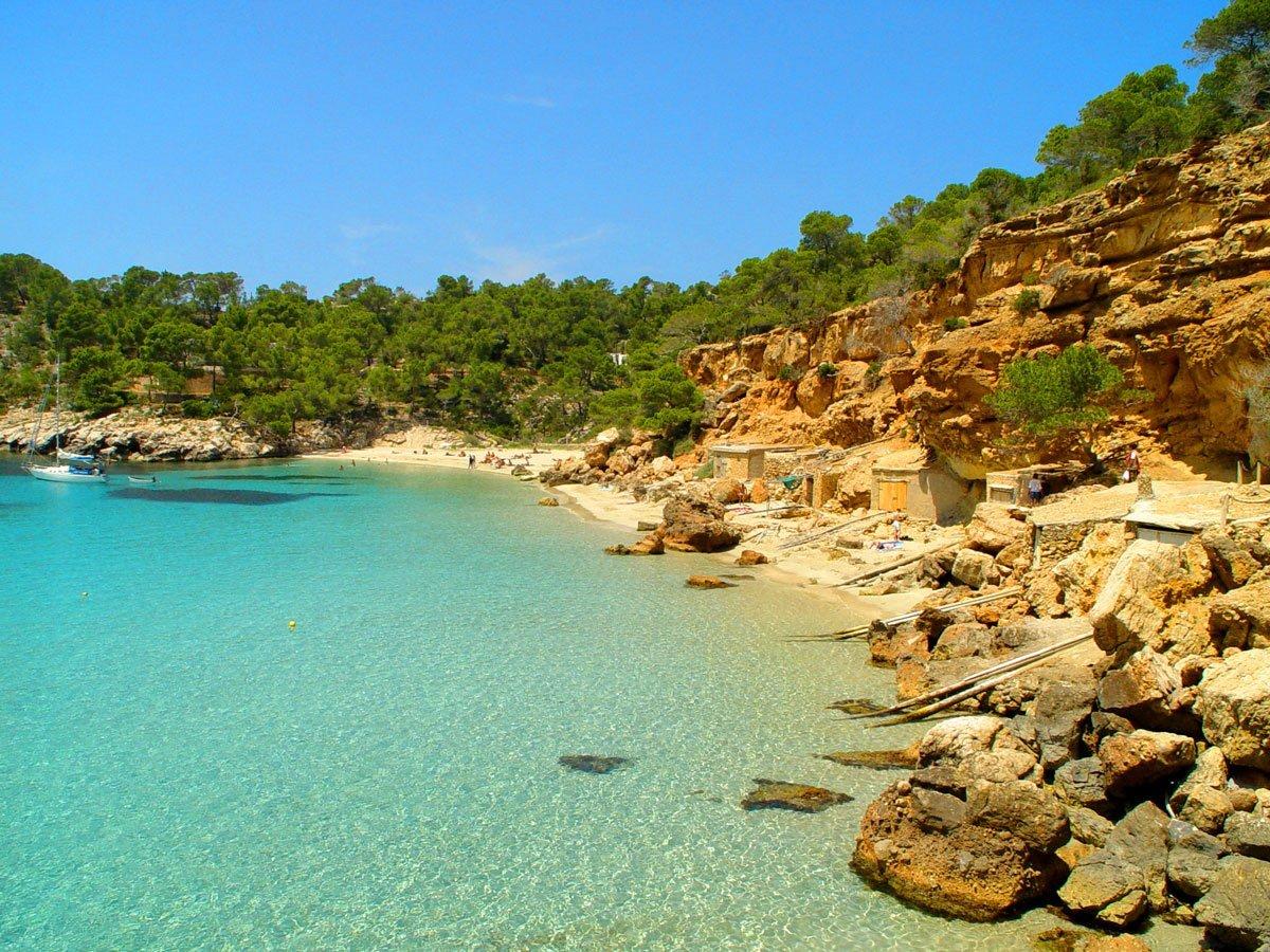 Фото на пляже в испании, На испанском пляже это делать можно (фото) 15 фотография