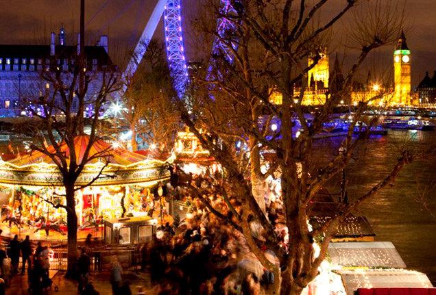 Сезон рождественского шопинга в Лондоне открывается в ноябре, когда на Регент-стрит церемонно загораются рождественские огни для гуляний публики