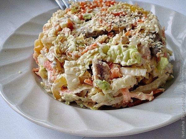Фитнес салат с курицей и пекинской капустой