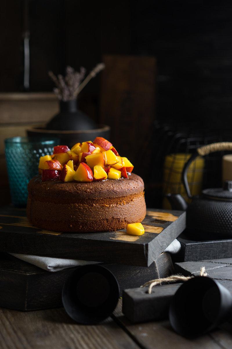 Простейший пирог со свежими фруктами и ягодами