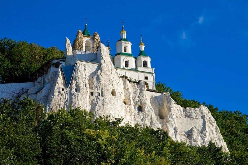Свято-Никольский храм на меловой скале