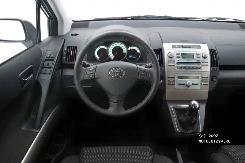 Toyota Carolla Verso отзывы