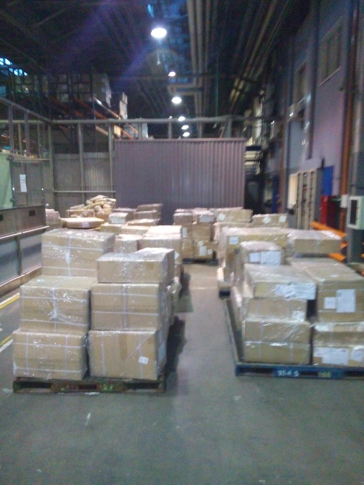 tamozhennoe oformlenie.com груз упаковка СВХ растаможка одежды и грузов из  Китая в Домодедово Карго cf079837c36
