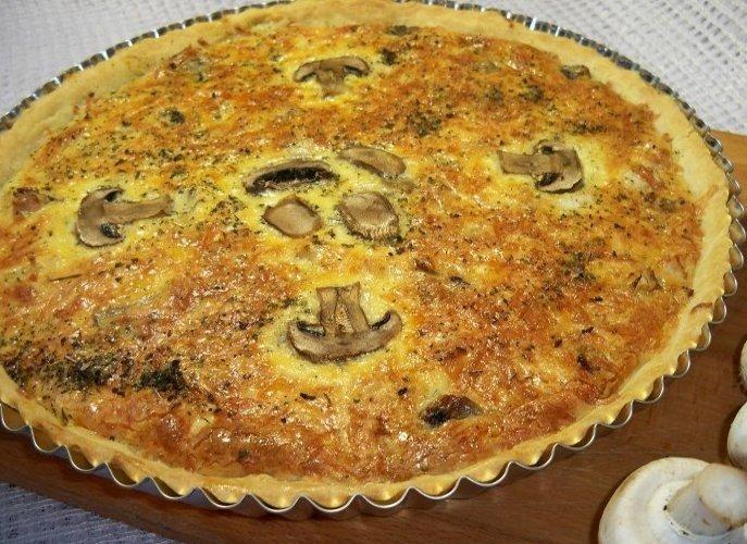 Пирог с грибами и луком в духовке