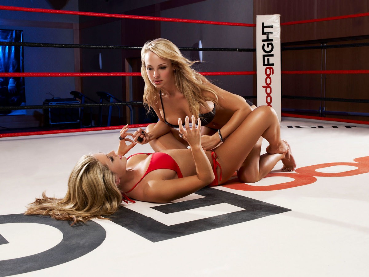 Sexy fighting girls 8