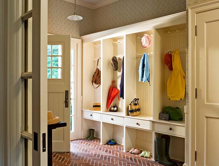 Живіть простіше: 25 лайфхаків для маленьких передпокоїв та коридору