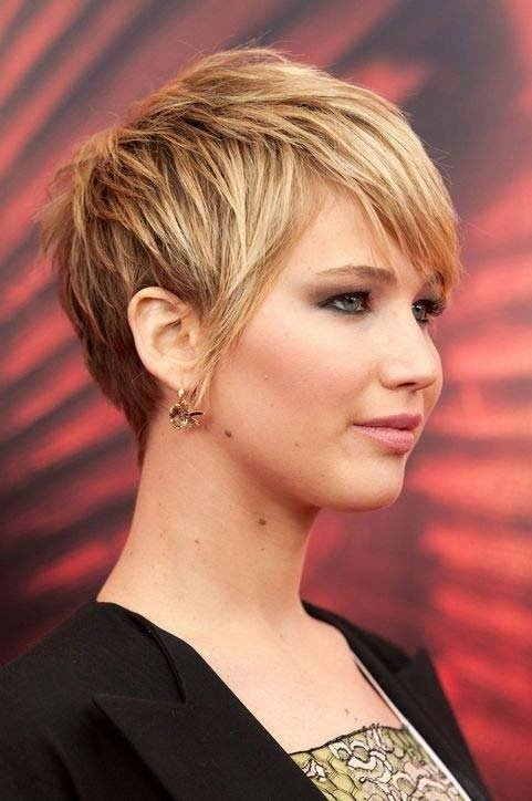 Short haircuts for moms on the go
