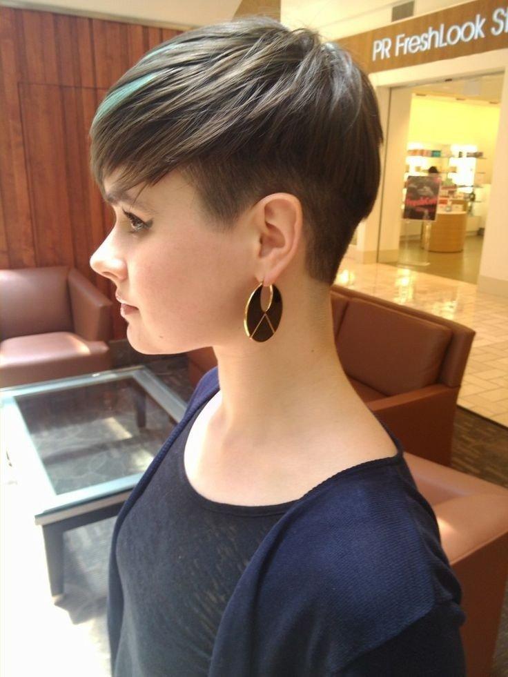 Женские стрижки с выбритыми висками на короткие волосы фото