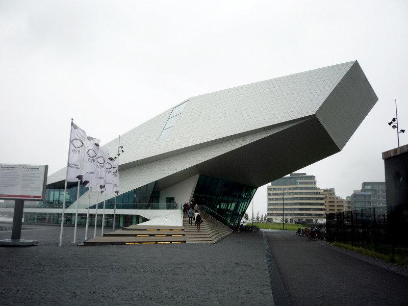 Веселый Амстердам - Коли є час та натхнення Любителям современной архитектуры можно отправиться на искусственные острова Java и KNSM.