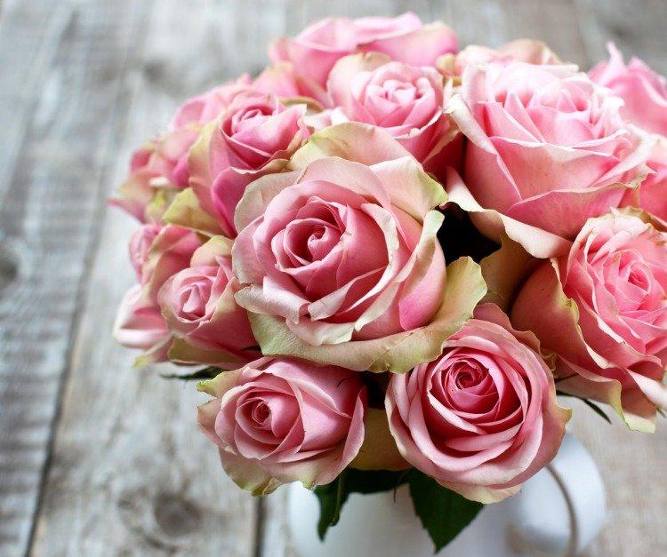 Базы цветы, с днем рождения нежный букет