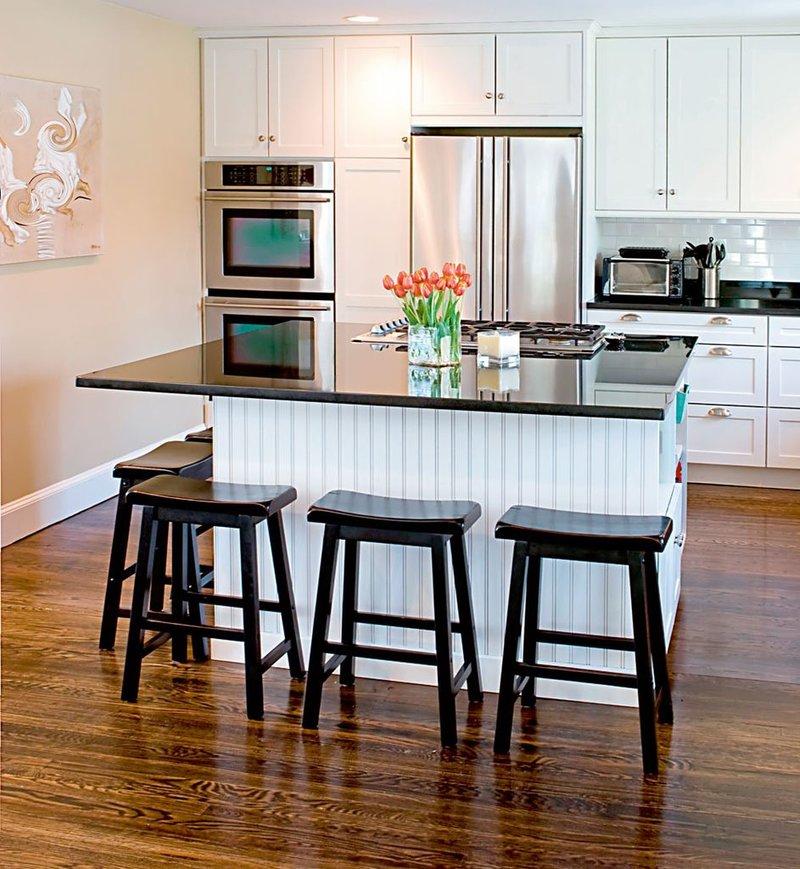 фото кухонной барной стойки в классическом стиле, двухуровневой, островной, совмещенной и пр.