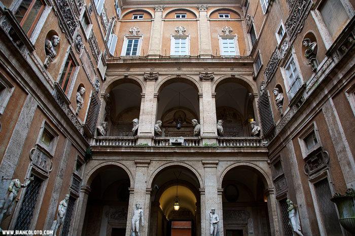 Дворец Маттеи. Еврейский квартал, Рим, Италия