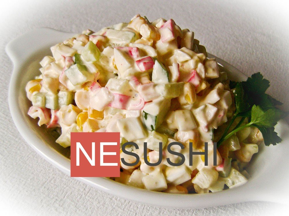 Салат с крабовыми палочками и кукурузой необычный